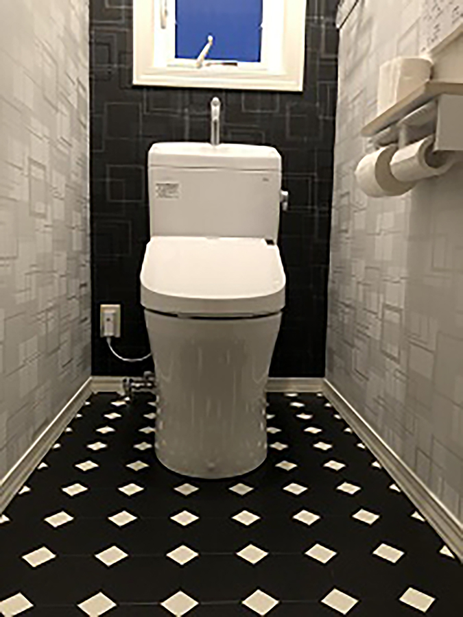TOTOトイレと壁紙と床を張替ました