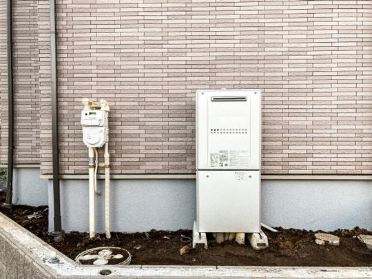 長年の使用で給湯器の騒音や不具合がでました。不完全燃焼が一番心配なので取り替えました